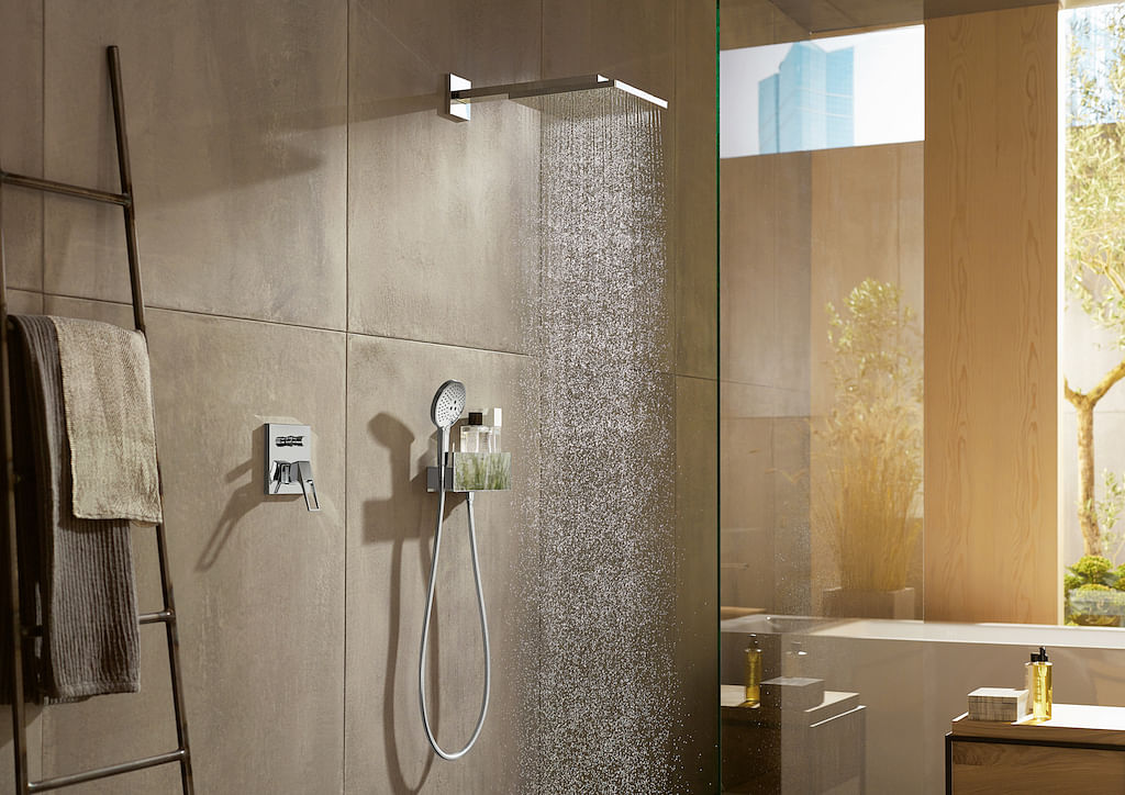 The shower experience you'll need in this hot weather title=