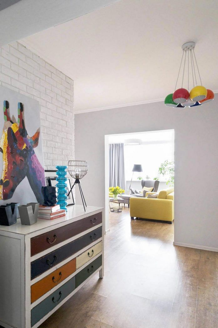 House Tour: Best use of colours in a 915sqf three-room apartment and how grey-colour walls can be done four ways title=