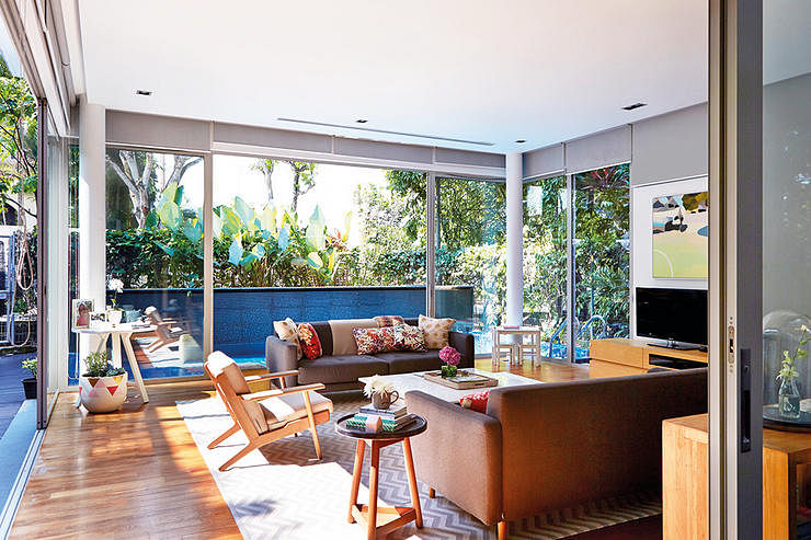 Home away from home: the houses of two globe-trotting expats in Singapore title=