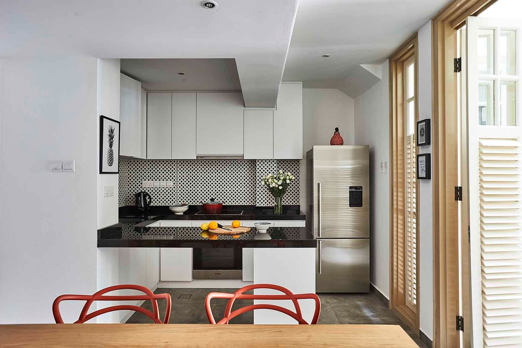 House Tour: A modern take on this pre-war conservation terrace house title=