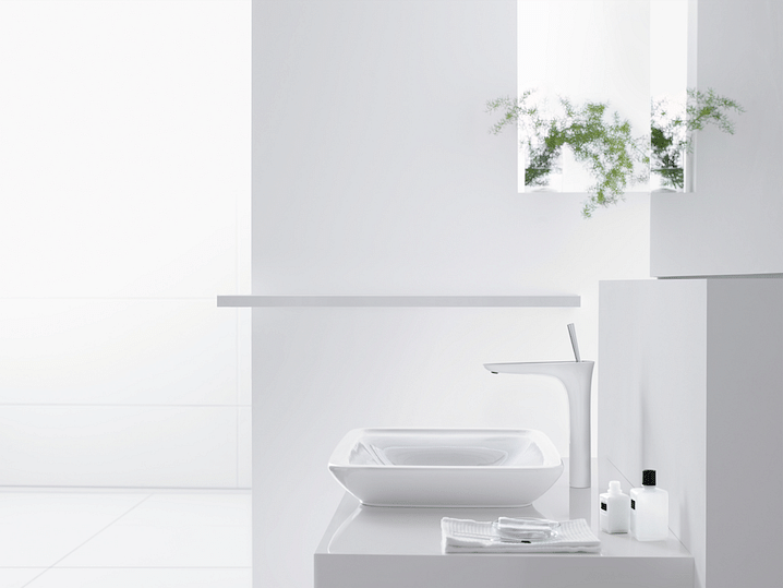 Bathroom design tips for fashionable minimalist-style interiors title=