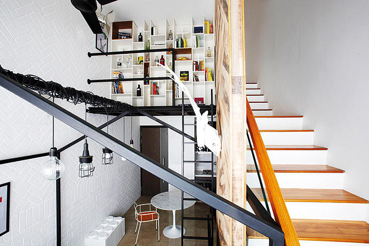 House Tour: A one-bedroom loft apartment that has everything the owner wanted title=