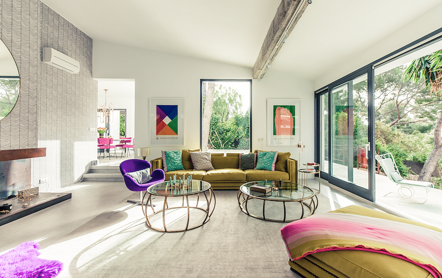 House Tour: A colourful Mid-Century Modern house inspired by California in the 60s title=