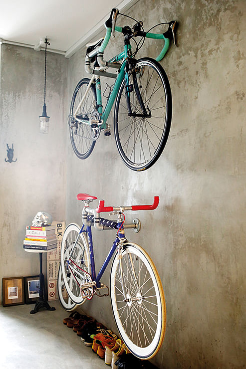 The new decor accessory bicycles home decor singapore for Bicycle decorations home