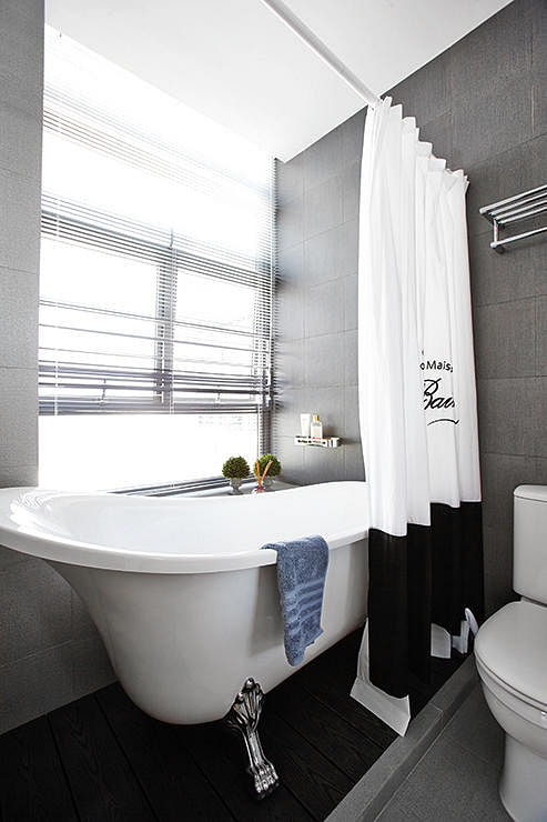 How to make your hdb bathroom feel larger home decor for Bathroom designs singapore