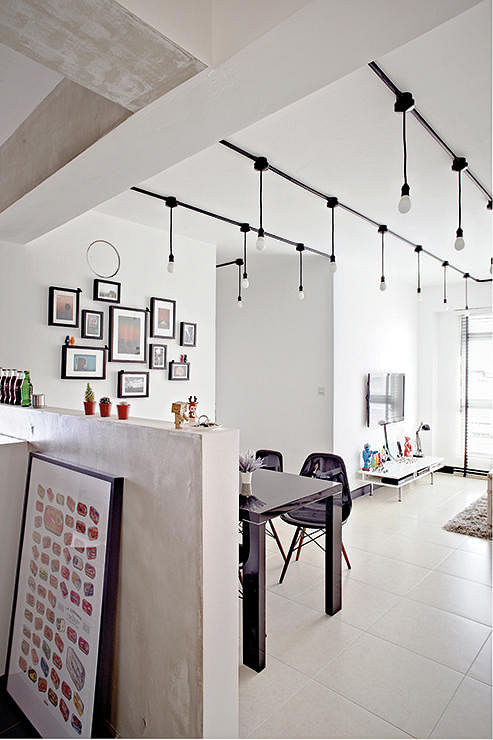 exposed lighting. 3. Combine The Black Cables With Trunking. (Interior Design By Spacious Planners) Exposed Lighting N