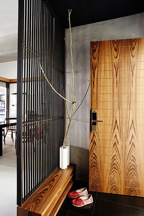 How to jazz up the entrance of your flat home decor for Entrance door designs for flats in india