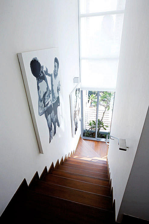 Staircase Decor Ideas For Your Hdb Maisonette Home