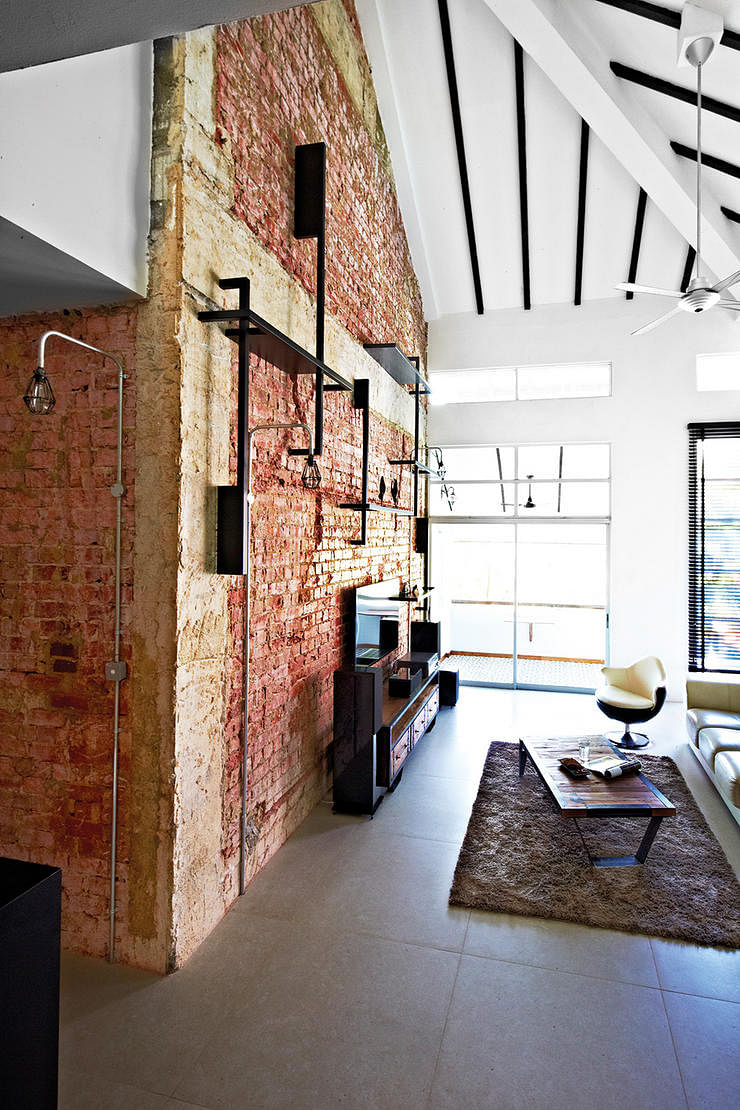 10 industrial style homes with exposed pipes and trunking for House and decor