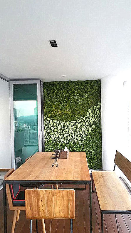 10 ways to liven up your home with artificial greenery for Low balcony wall