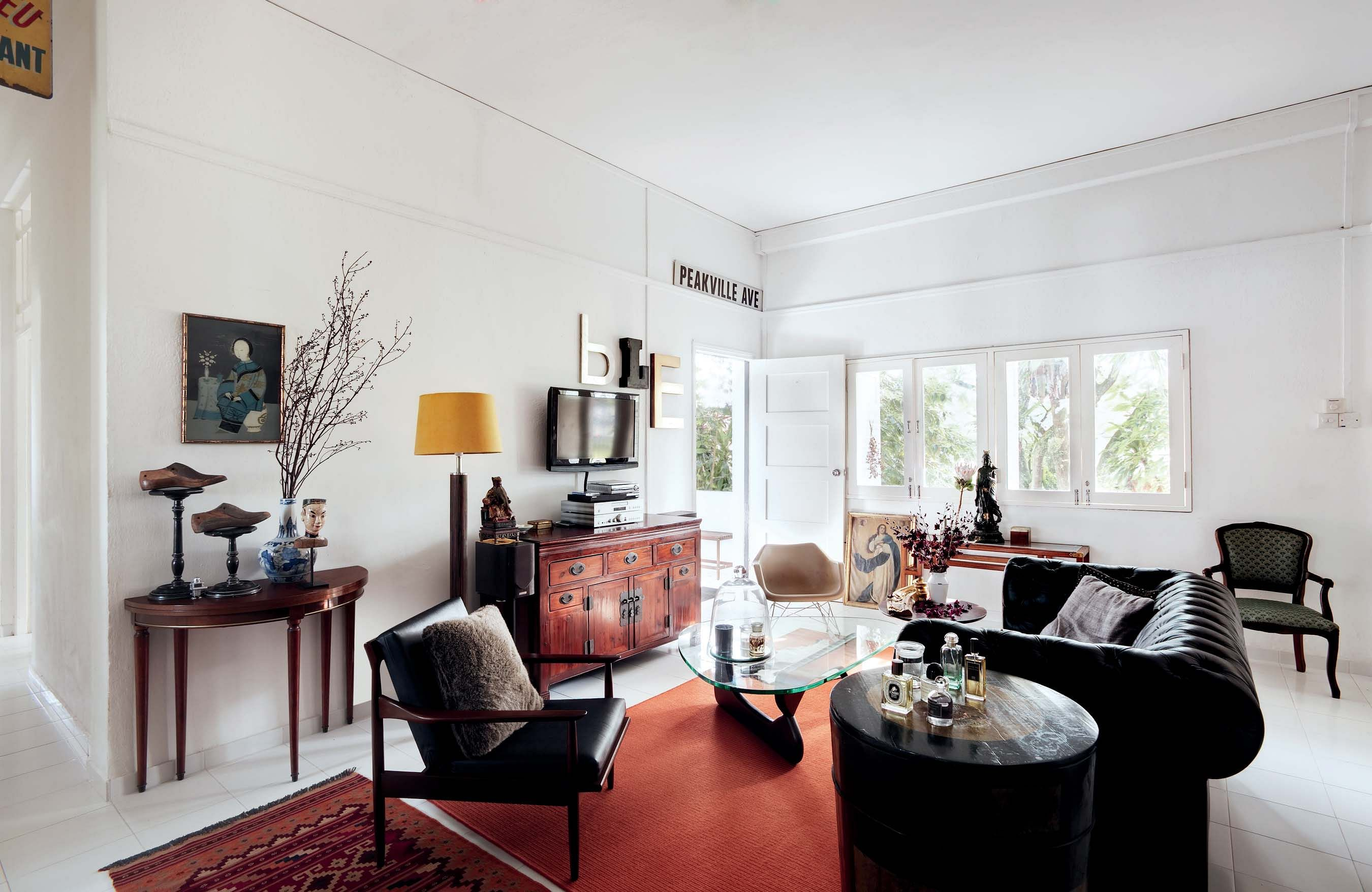 House Tour A Pre War Walk Up Apartment With French Influences