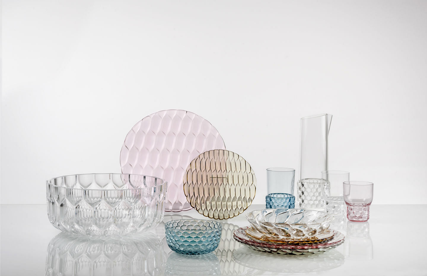 Kartell tableware acrylic tableware plates bowls & Tableware that looks like glass but is actually acrylic! | Home ...