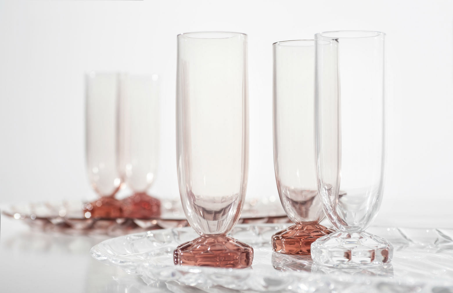 Tableware that looks like glass but is actually acrylic for Decoration kartell