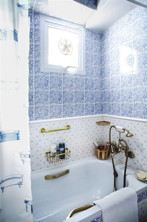 The Set Which Comprises A White Ceramic Washbasin Cistern And Bidet Adorned With Blue Floral Patterns Had Been In The Showroom Since 1996
