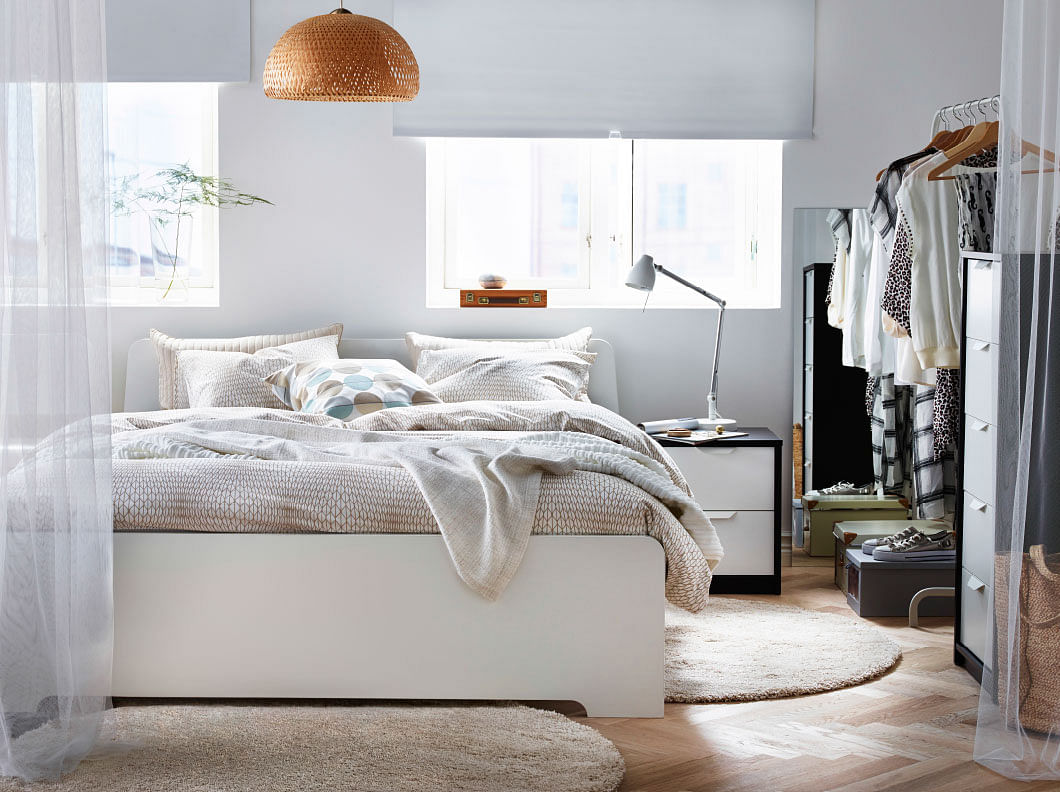 7 timeless and stylish white themed bedrooms