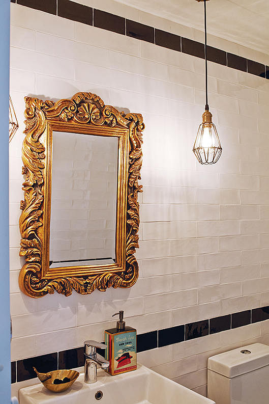 A Baroque Mirror That Looks Like Picture Frame Makes You Feel Queen Design E Matters
