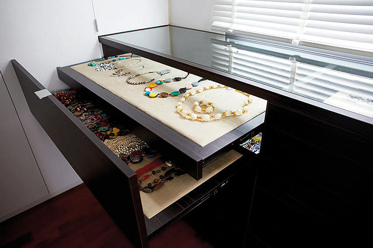7 ways to organise and display jewellery and accessories for Heng kunthea jewelry shop
