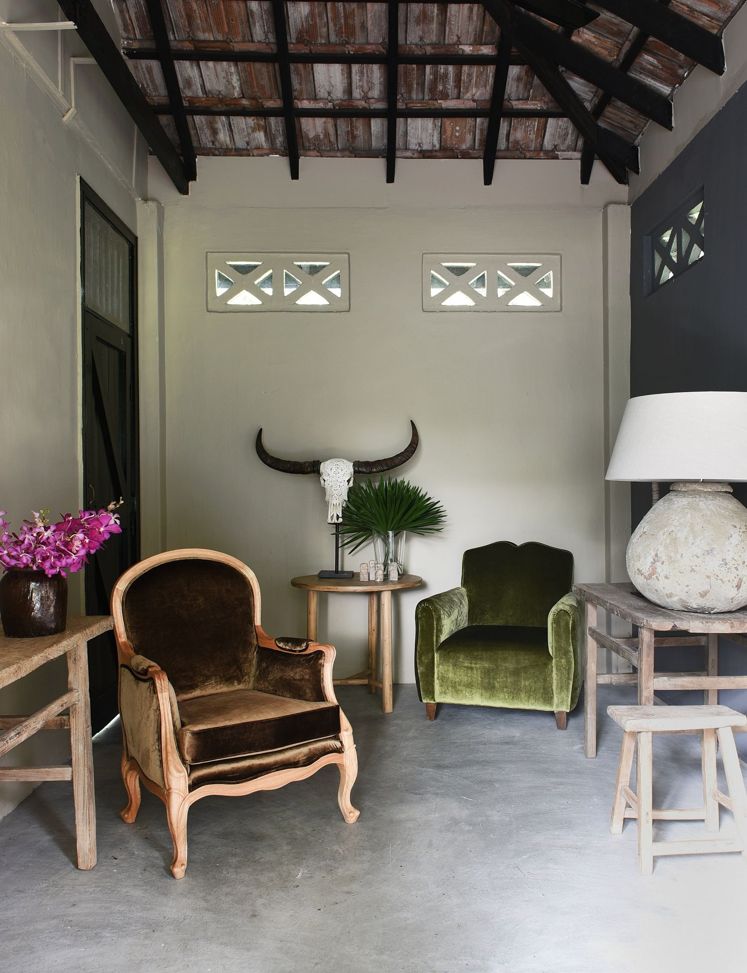 New furniture shop sells reupholstered vintage chairs | Home & Decor ...