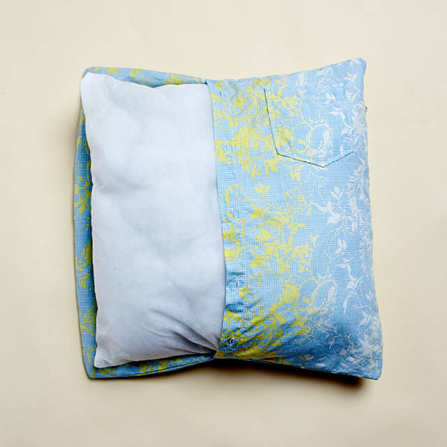 Turn the cushion cover inside out then sew the top and bottom of the cushion cover close. & Easy DIY: Button-up shirt cushion cover | Home \u0026 Decor Singapore pillowsntoast.com