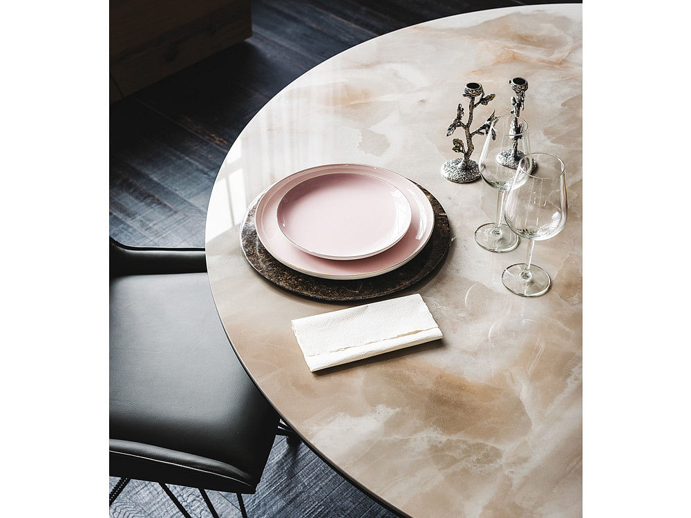 This Stunning Tabletop Is Made With A Single Piece Of