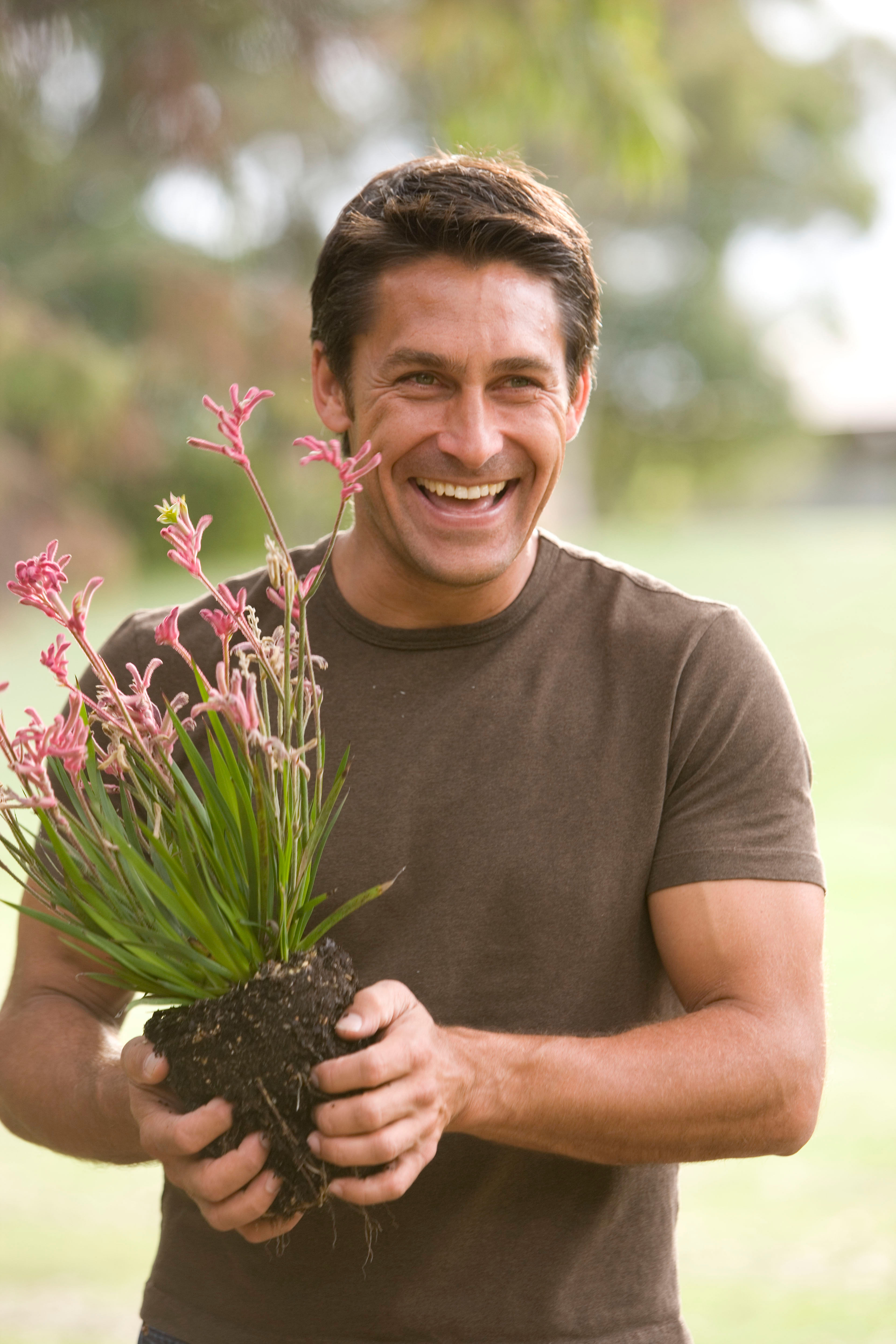 Home tips indoor gardening and the best plants for for Jamie durie garden designs