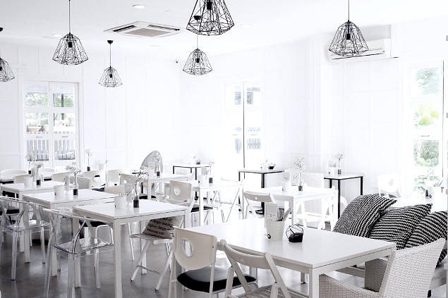 Go Cafe Hopping At These 9 Minimalist Cafes Home Amp Decor