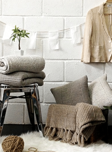 10 Beautiful Sofa And Bed Throws That Ll Spruce Up Your Home