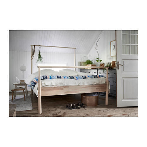 7 Beautiful Four-poster Beds That'll Add Drama To Your