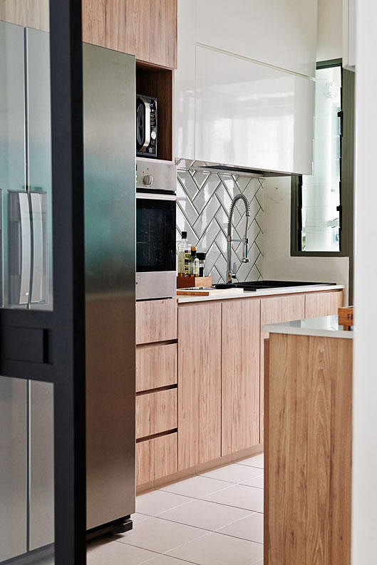 Kitchen design ideas: 10 simply stylish wood-tone HDB flat kitchens 7