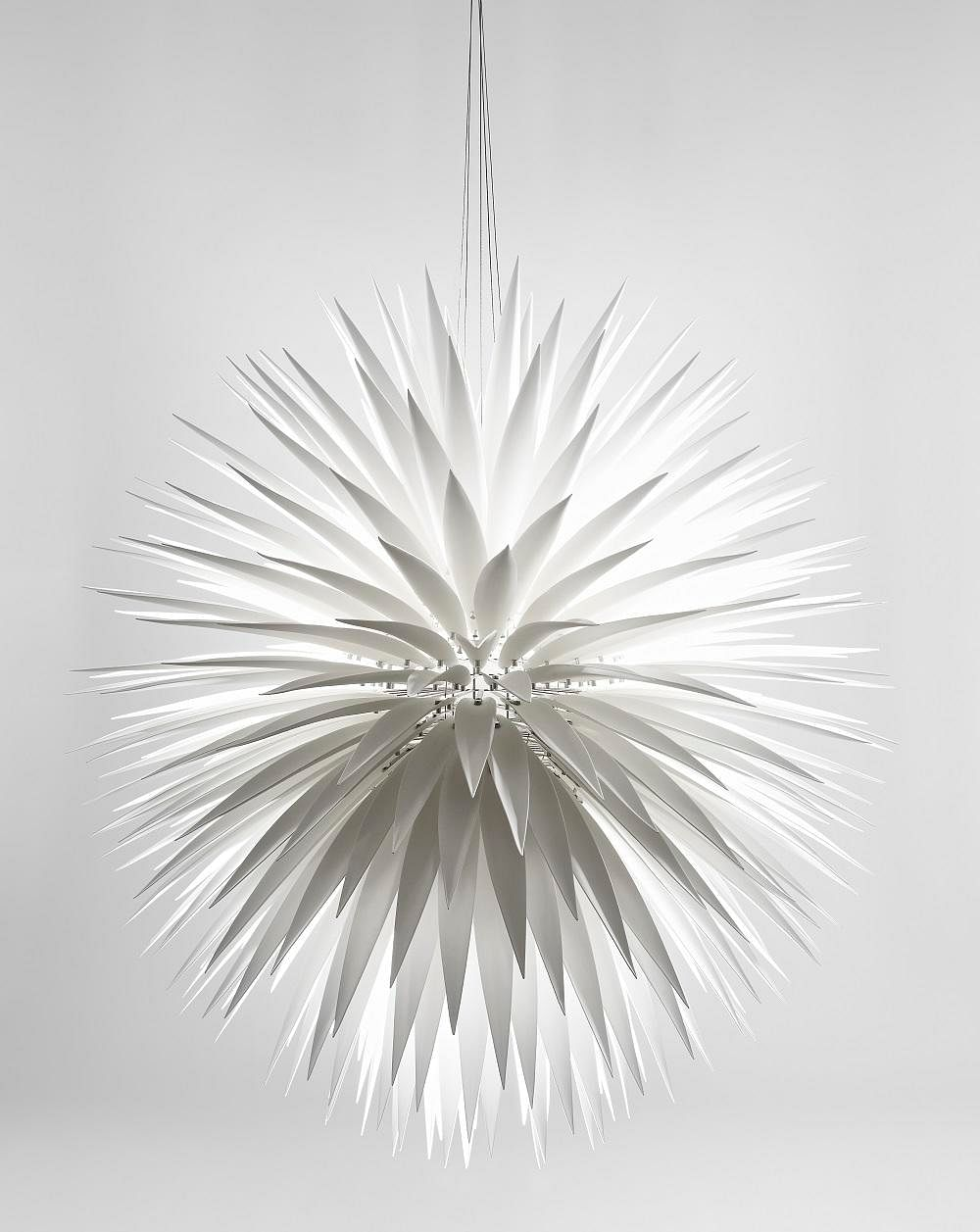Shopping: Beautiful flora-inspired ceramic lamps by Jeremy Cole 3