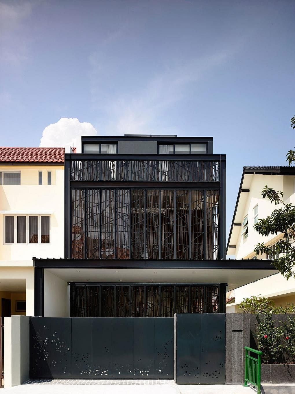 House Tour Bold Black Design For This Semi Detached House In
