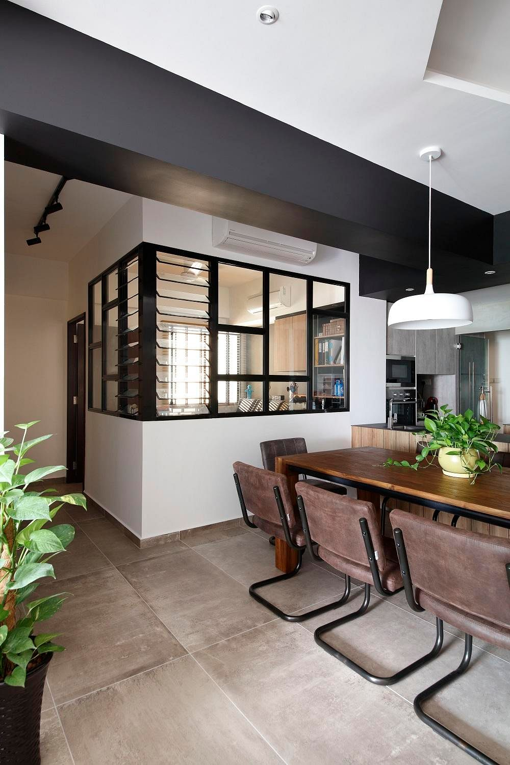 Modern Hdb Decor: House Tour: Before And After Reno Of An HDB Flat With A