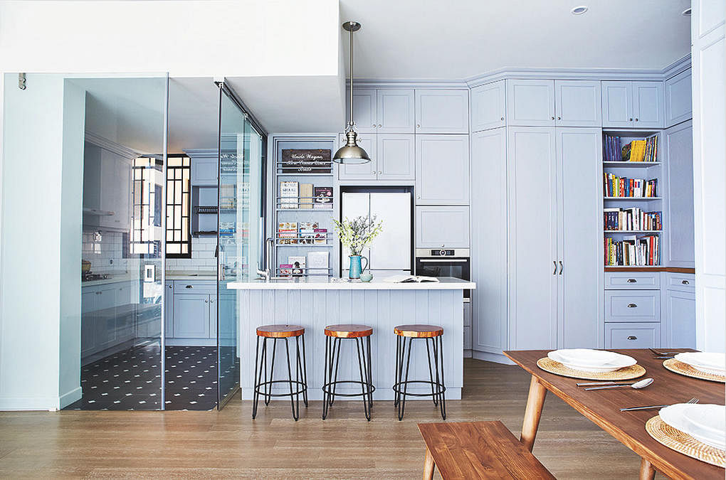 stylish kitchen bars and counters 2