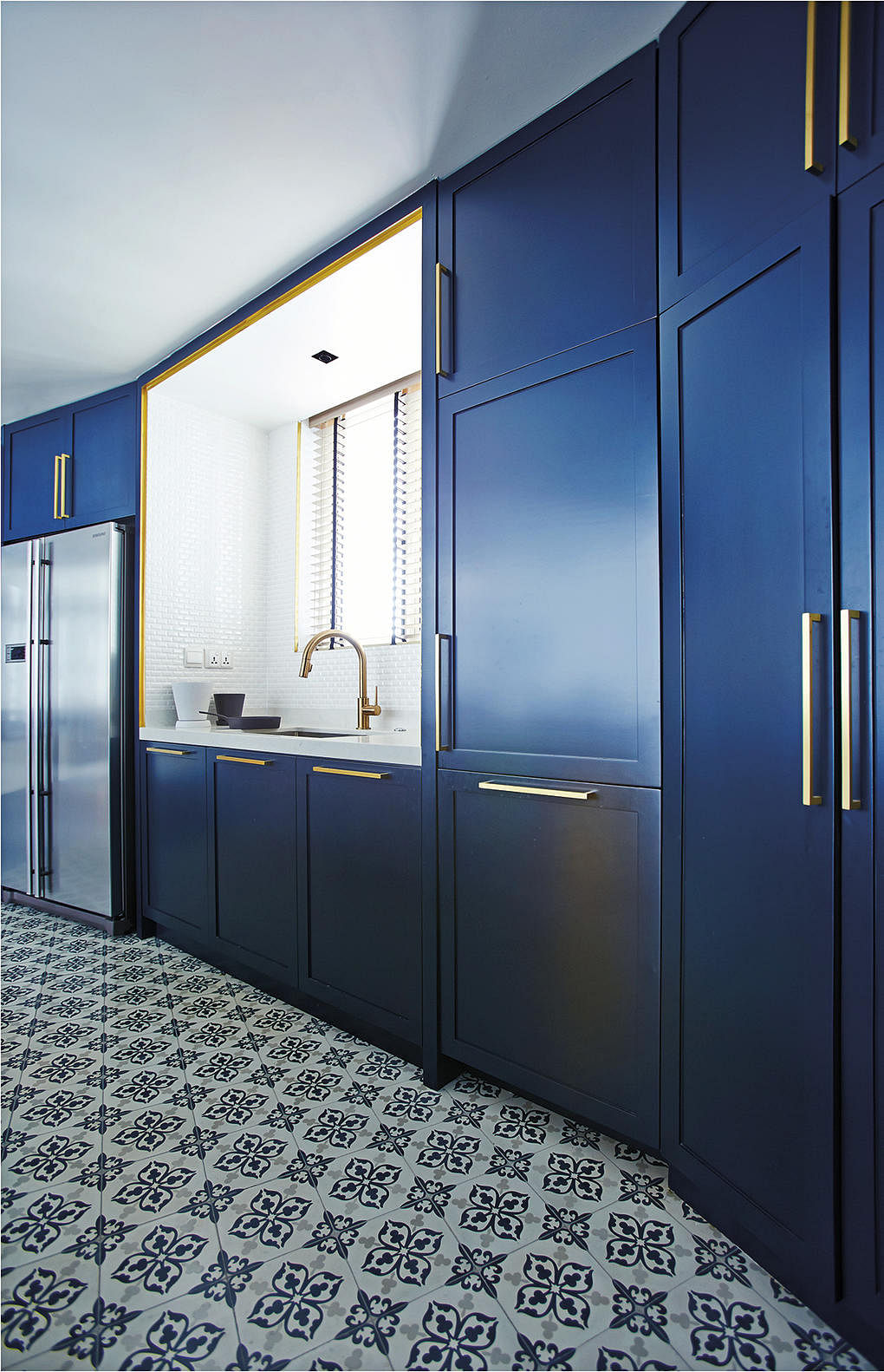 Bold And Blue Two Homes Show You How To Make Blue Interiors Work