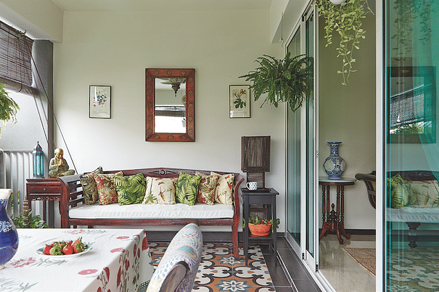 Inimitably Indian: Two Homes Furnished In Vintage Indian