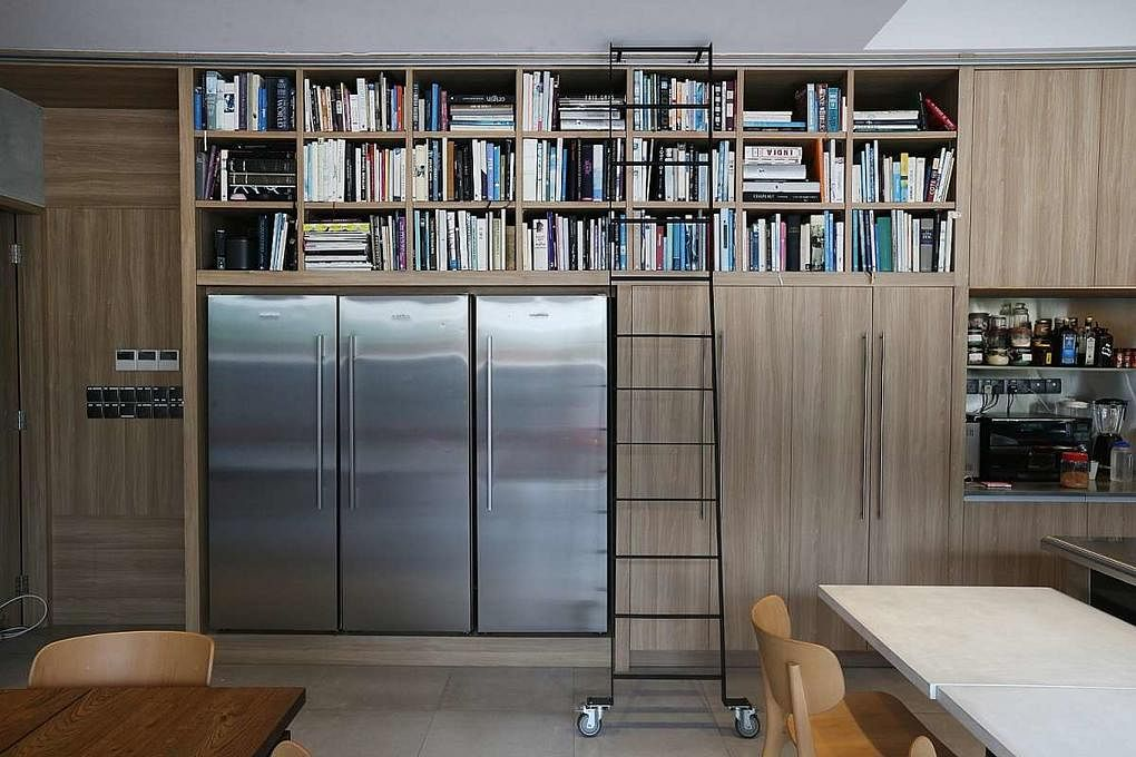 feature Bookcase chef emmanuel