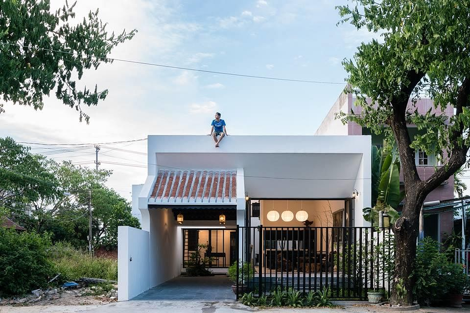 House Tour: Check out this modern kampong home with open spaces and ...
