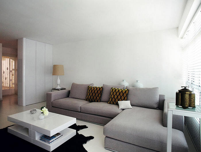 5 Stylish HDB Flat Living Rooms With White Walls And Floors 2