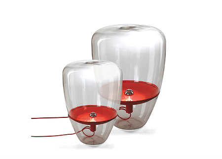 2Commune red table lamp