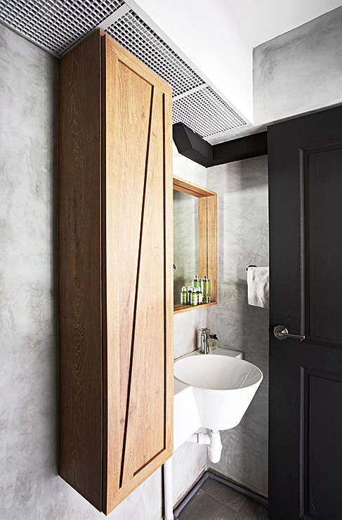 Best Home Libraries: Small HDB Flat Bathroom Solutions