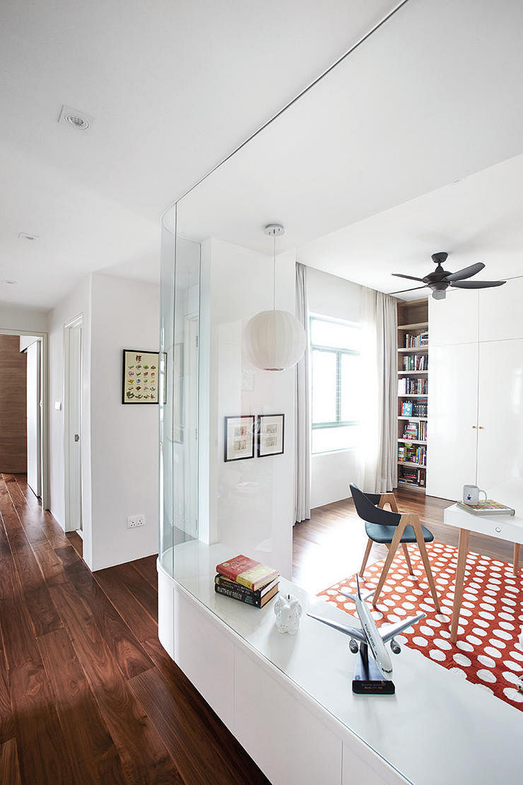 7 Homes That Made Full Use Of Glass Partitions