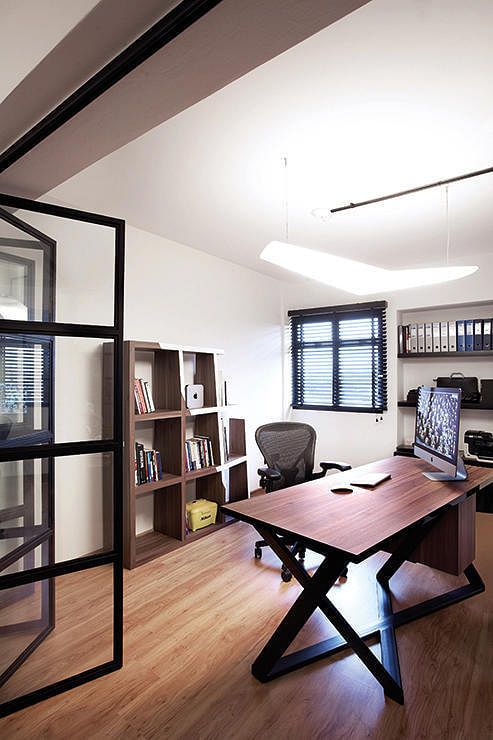 Study Room Door: 10 Reasons Why You Should Consider Glass Walls For Your