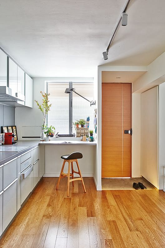 Kitchen Room Interior Design: Renovation For This Open-concept Three-room HDB Flat Cost
