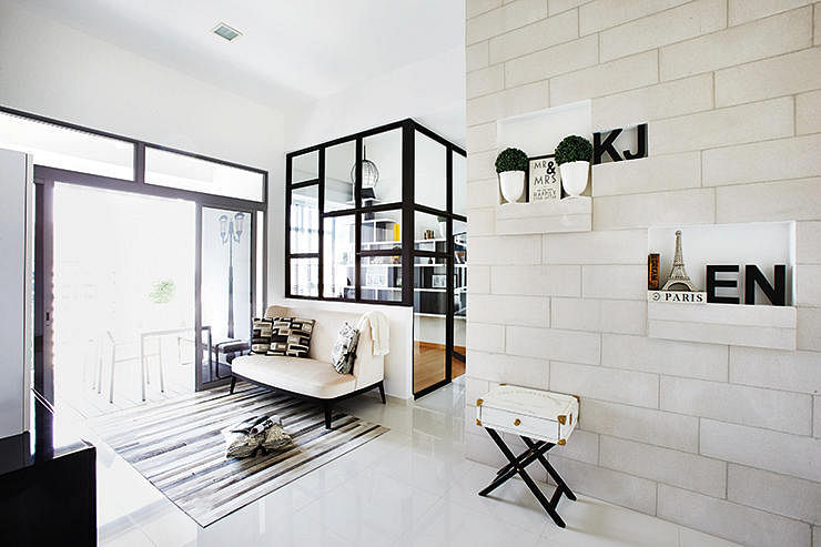 1 Go For White With Accents