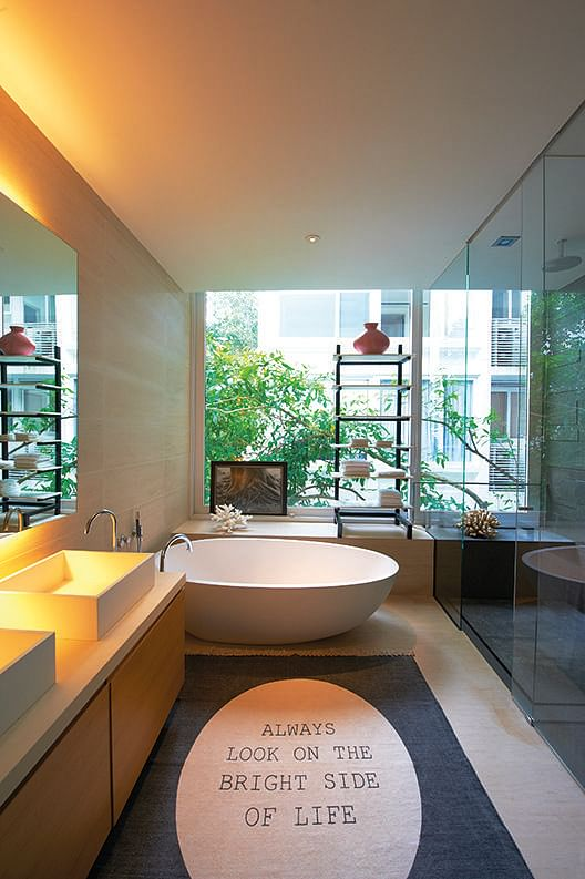 7 classy homes with open concept bathrooms home decor for Bathroom interior design concepts
