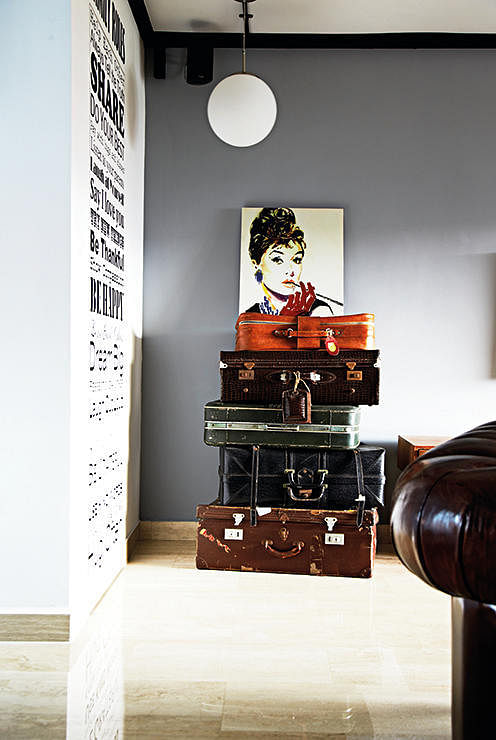 This HDB Flat Is A Paradise Of Vintage Collectibles