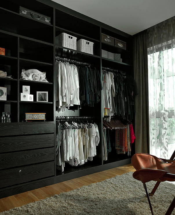 Home Decor Singapore: How To Design The Perfect Walk-in Wardrobe