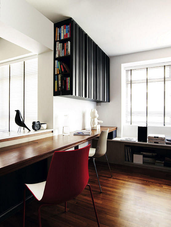 Singapore Hdb Room With Study Table: Home Office Design Ideas: Use The Bay Window For Your Work