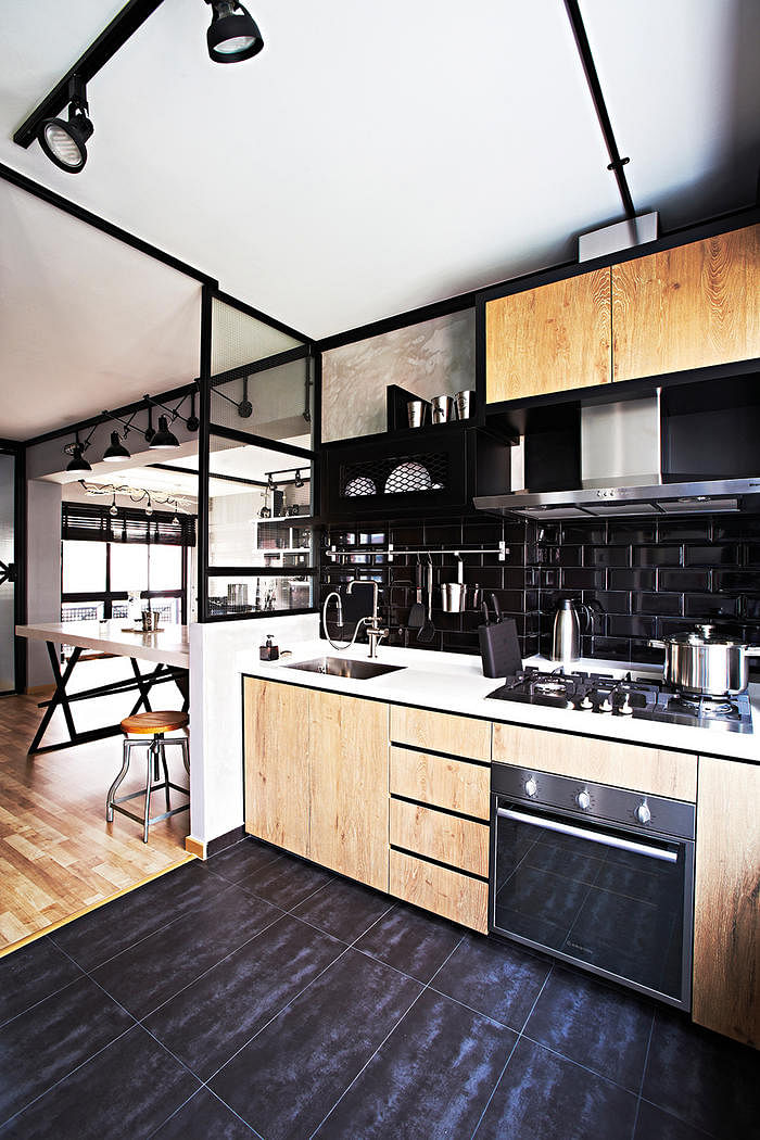 Kitchen design ideas 4 looks for black and white subway for Home design ideas singapore