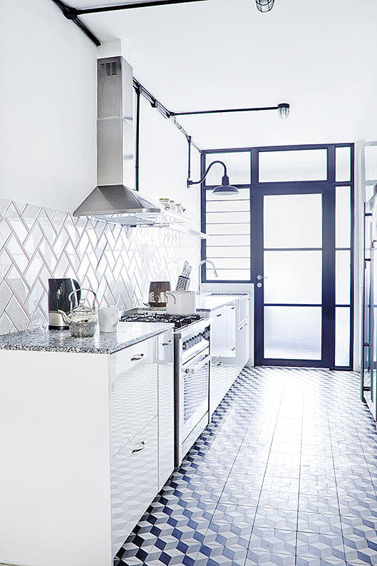 Kitchen Tiles Singapore kitchen design ideas: 4 looks for black and white subway tile